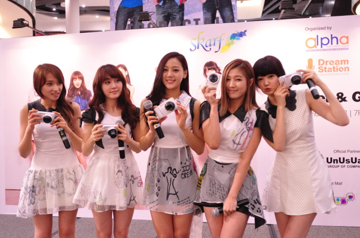 SKarf, the latest ambassador for the Samsung GALAXY Camera