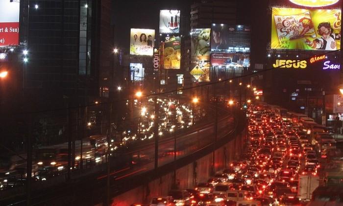 Slow-Edsa-Traffic1