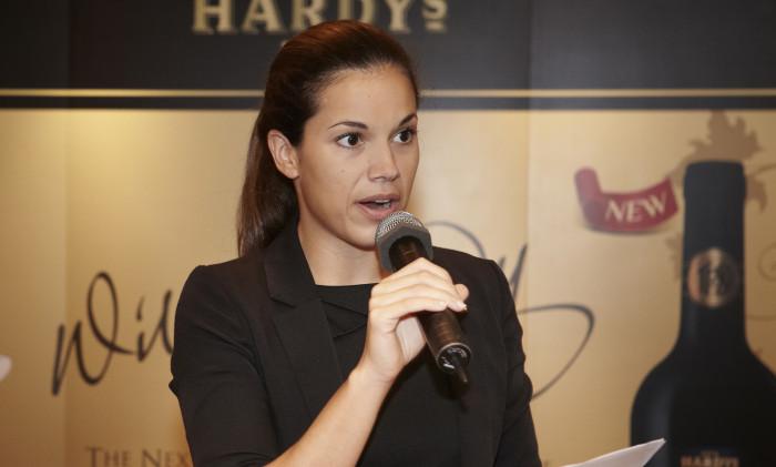 Lara Jefferies