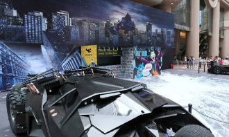TS Batman Exh_Batmobile 1989