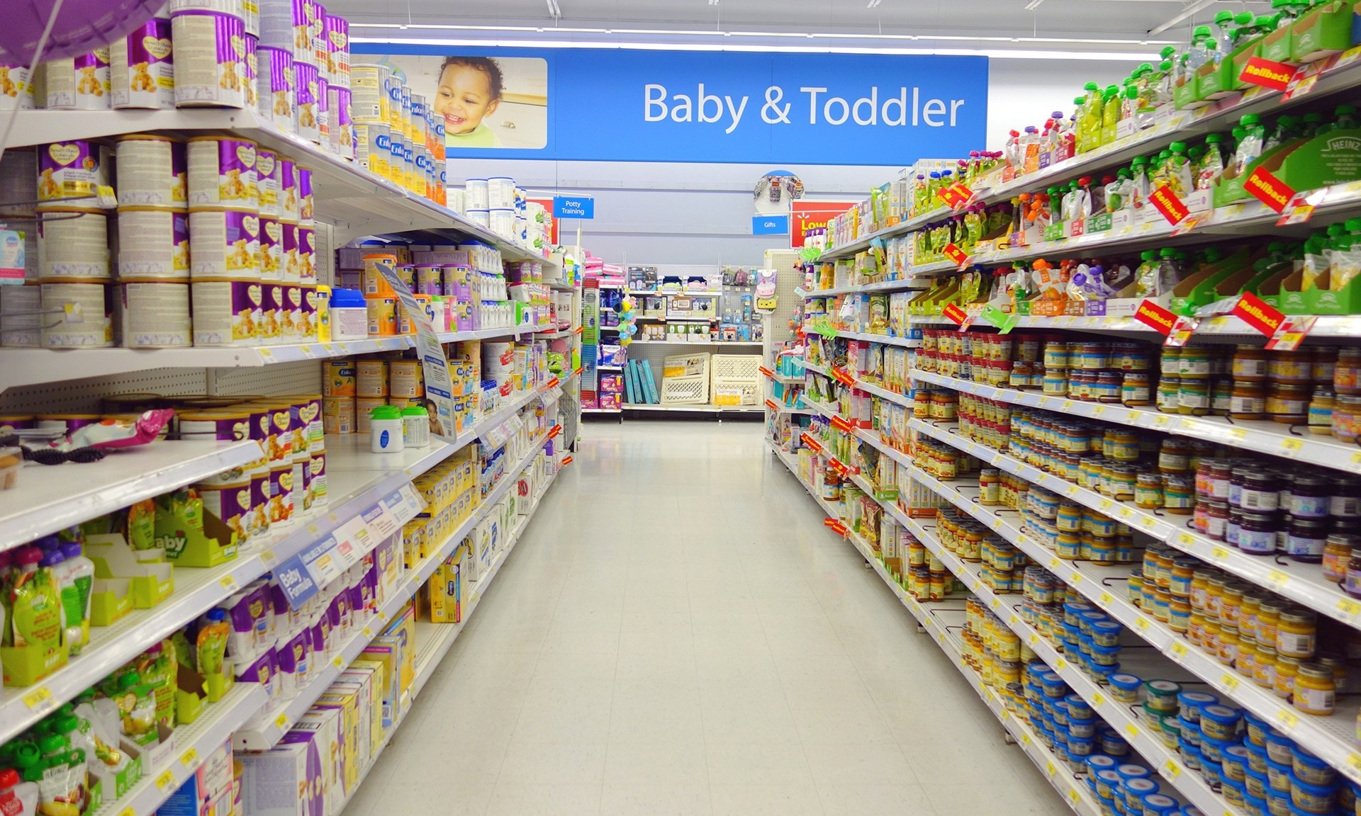 China Considers Banning Infant Formula Ads Marketing