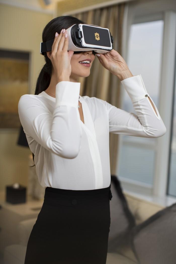 Shangri-La VR headset