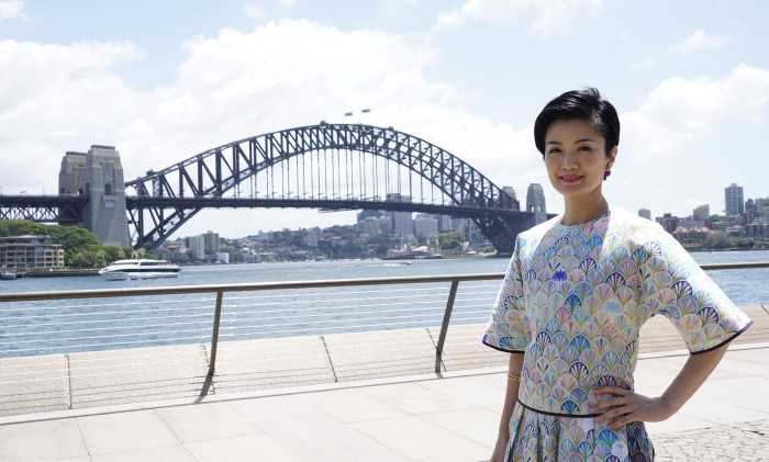 Tourism Australia - 方健儀在悉尼大橋前