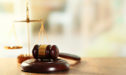 pic_shutterstock_judge