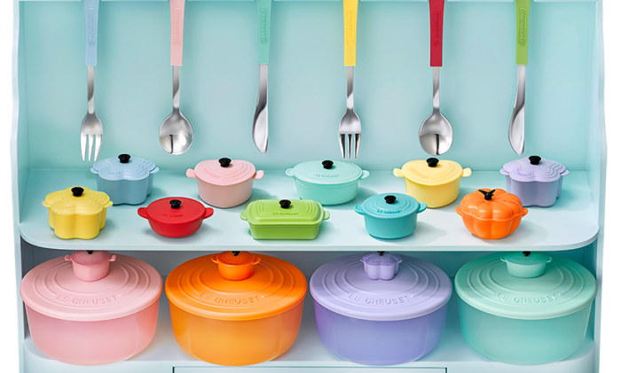 7 eleven entices customers with le creuset cutlery set - Bouilloire sifflante le creuset ...