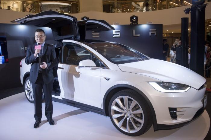 100516_Tesla_DSC1368s