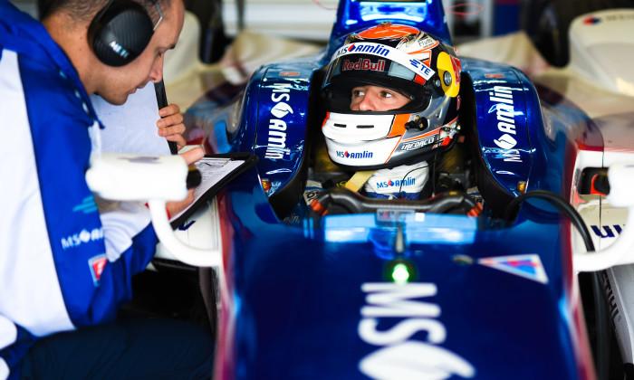 MS Amlin Andretti team Spacesuit-Media-Dan Bathie-FIA-Formula-E-Donington-Park-September-2016-7874