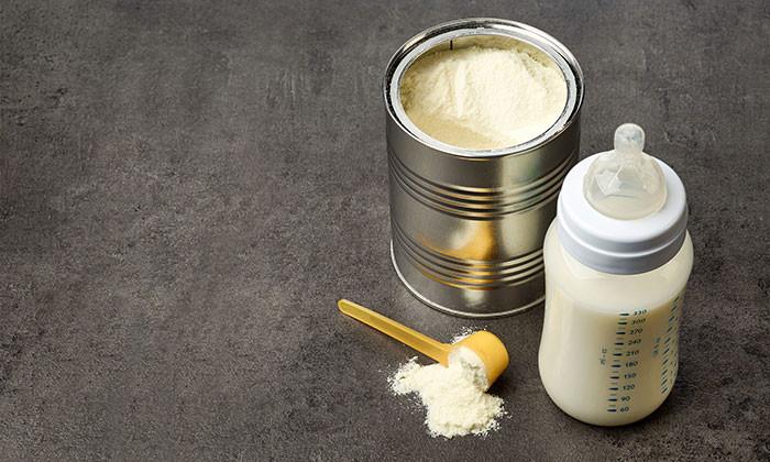 Baby milk formula 123rf