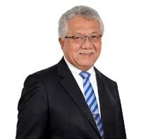 Tan Sri Dato' Sri Zamzamzairani.