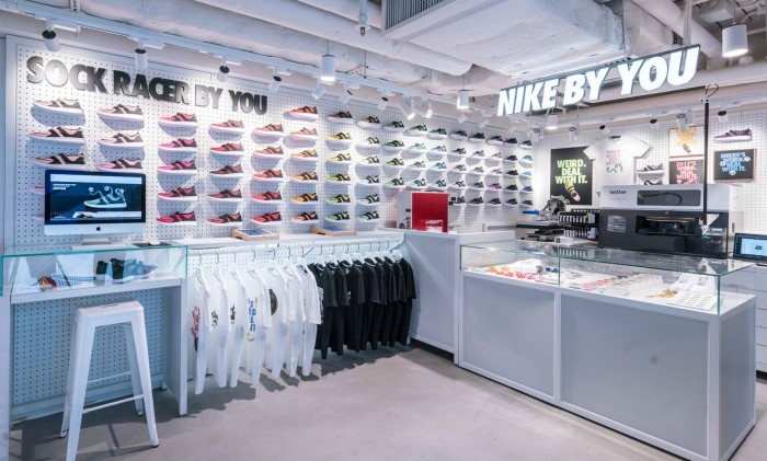 """nike societal marketing Nike selected """"mini swoosh"""" as one of twelve revolutionairs to  colour and  change our hair based on societal values – morgan and her team."""