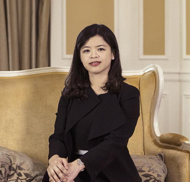 Angela Chou 周含盈
