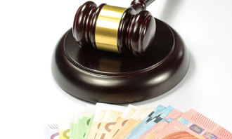 Financial penalty fine money_123rf