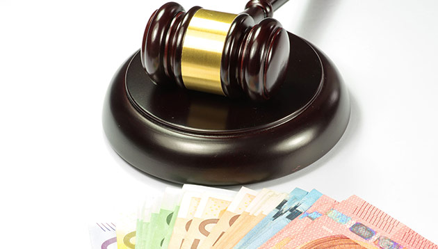 Financial penalty fine money_123rf