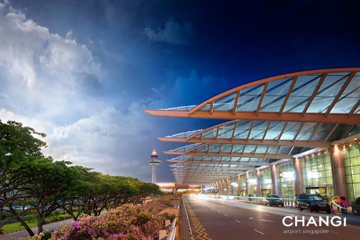 Terminal 2 - Kerbside & Facade